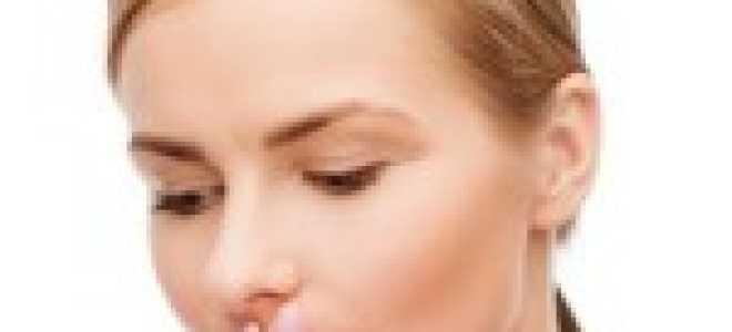 Запах ацетона изо рта у взрослого: причины и что делать