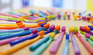 Как правильно выбрать зубную щетку: жесткая щетина, средняя или мягкая